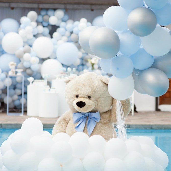 blue and white baby shower balloons