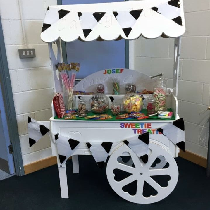 Cany cart decorated black and white
