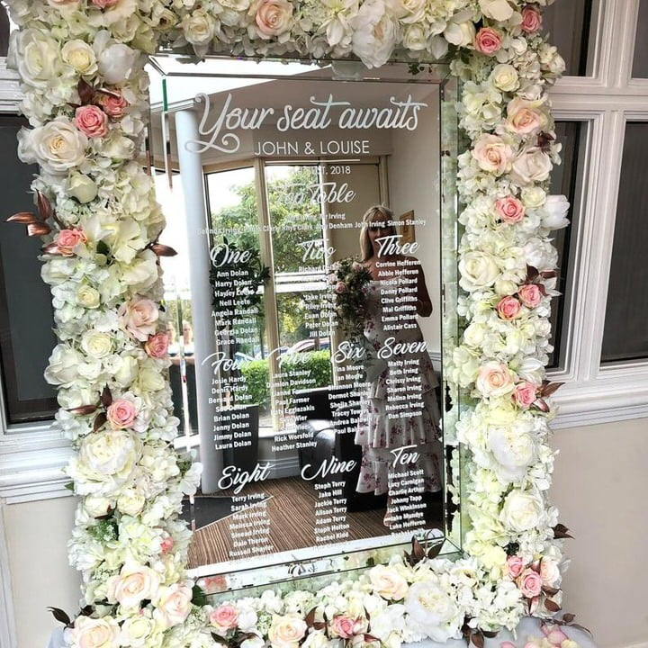 Mirror Table Plan vertical John & Louise with flower frame